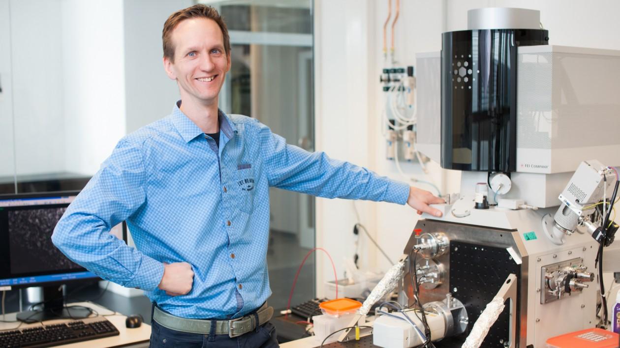 Elektronenmicroscopie twintig keer sneller door slimme Delftse truc