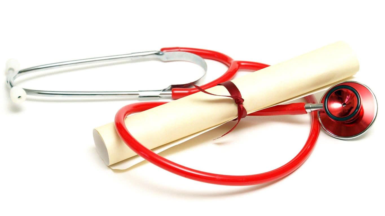 Hoe regelt een ziekenhuis de bevoegdheid en bekwaamheid van alle gebruikers van medische apparatuur?