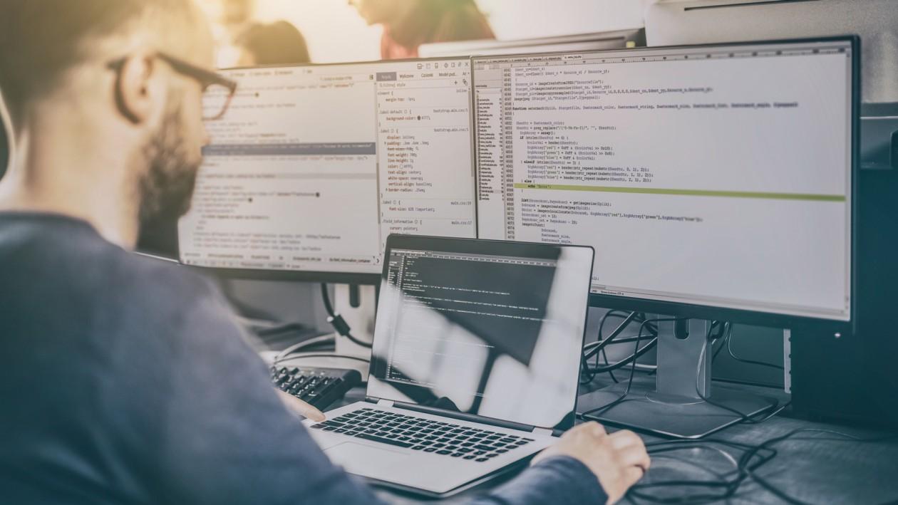Waar moet ik aan denken als ik zelf software wil ontwikkelen?